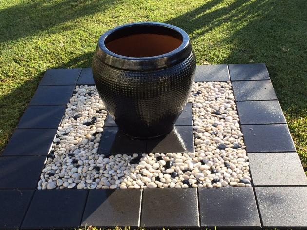 lawn feature pot